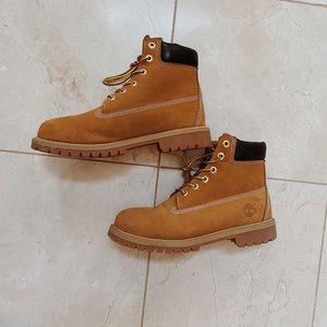 Timberland Women 6-inch Premium Waterproof Boots 8